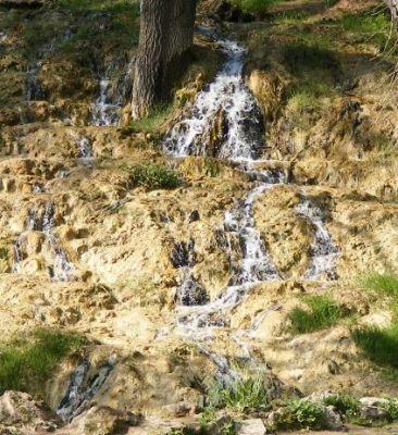 Travertínový vodopád vo Vyšných Ružbachoch