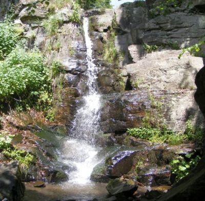 Starohutský vodopád