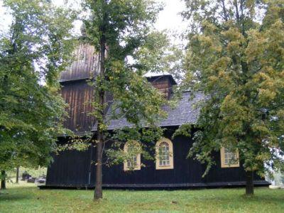 Drevený kostol v obci Vyšný Komárnik