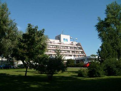Hotel Máj (ubytovanie v Piešťanoch)